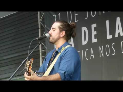 Andrés Suárez - Serrat 2015 (Día de la Música) 21-6-2017