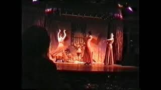 Klassischer Tanz mit Tüchern im Flamenco-Stil: aus Hotelshow Matalascanas 2003