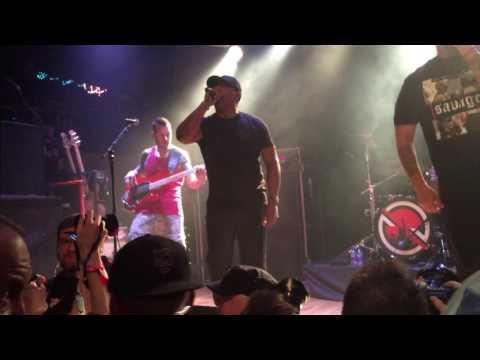Prophets of Rage - No Sleep til Brooklyn (Beastie Boys Cover)