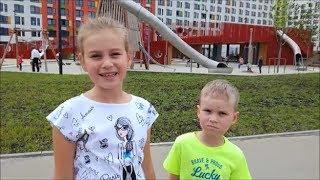 Смотреть видео Гигантская детская площадка. Развлечения для детей. Куда пойти с ребенком в Москве. онлайн
