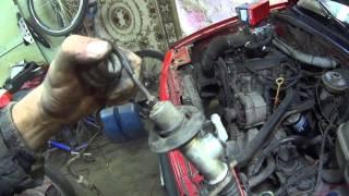 видео Устройство, ремонт и замена главного цилиндра сцепления
