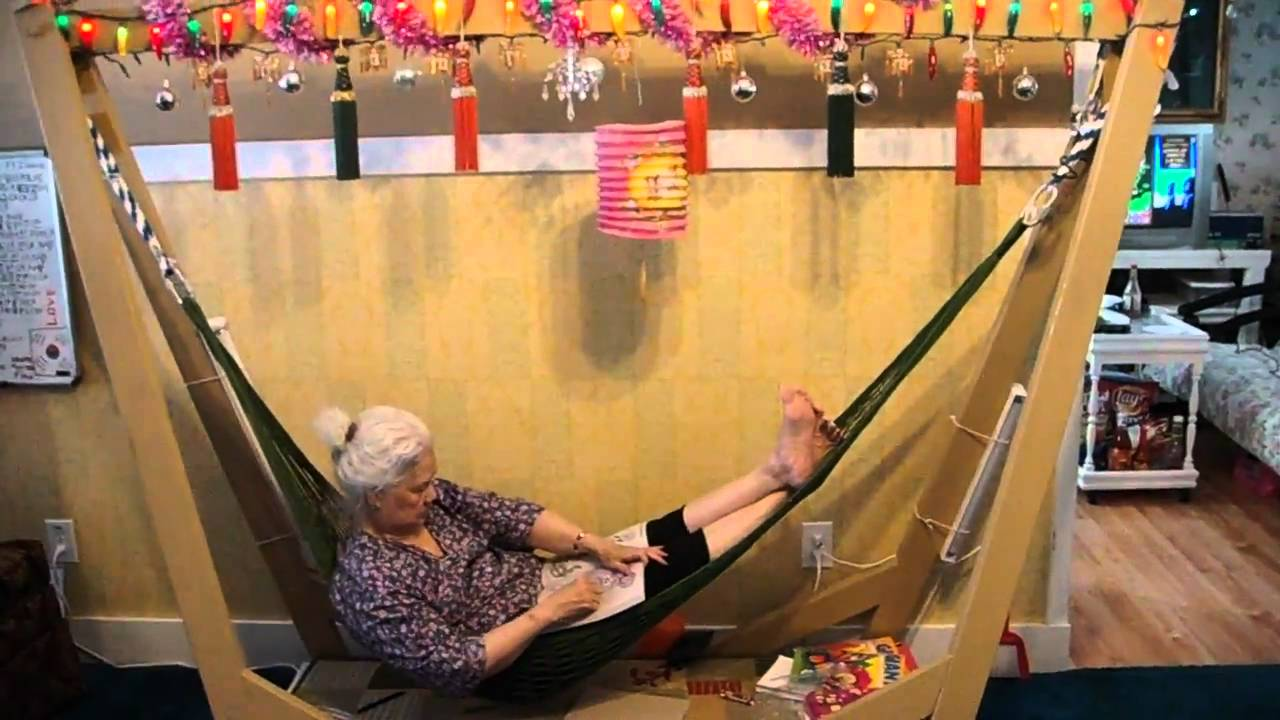 Homemade indoor Hammock - YouTube