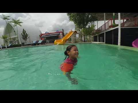 Dash Box Hotel Cyberjaya- Family Holiday Video Log
