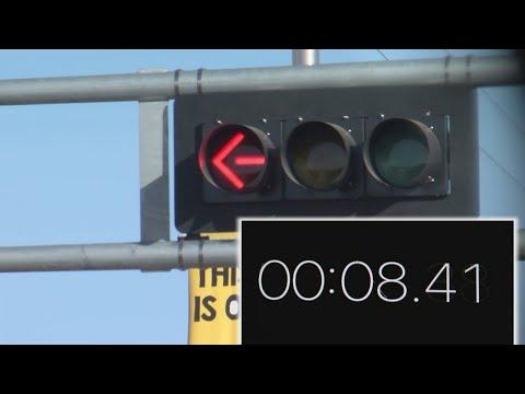 Albuquerque to fix short left turn signal timing along Central Avenue, ART bus route