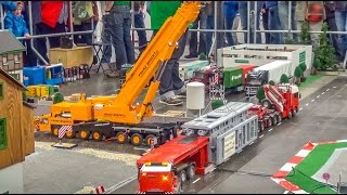 Awesome RC crane lifts a HUGE transformator!