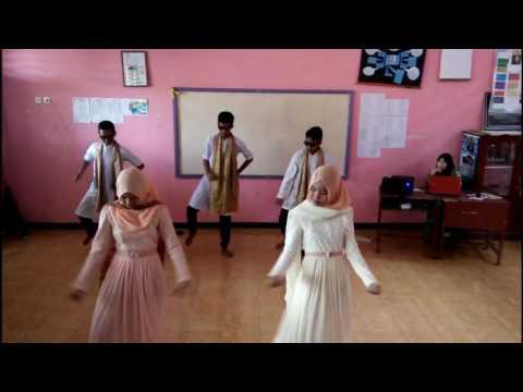 TARI INDIA KREASI | kelompok 2 XII IPA 1 | SMAN O2 MUKOMUKO