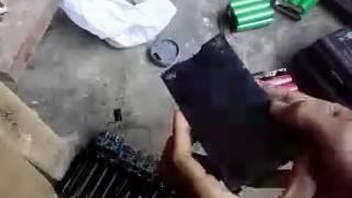cara cepat bongkar baterai laptop