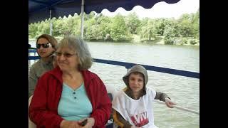 Cu vaporașul pe lacul Herăstrău.....