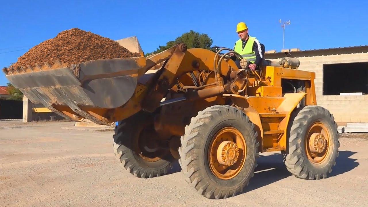 Big Tractor broken down - Dima on power wheels car help man