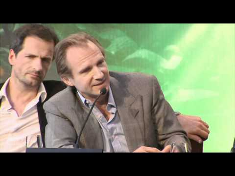 Movie Star Bios  Ralph Fiennes