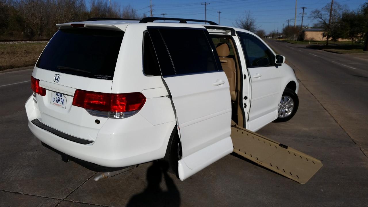"2010 Honda Odyssey Wheelchair ramp access Van ""FOR SALE ..."