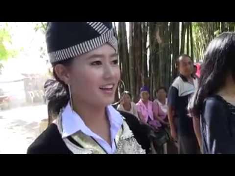Cô gái người dân tộc xinh đẹp
