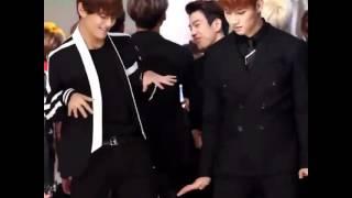 Video Taehyung (BTS) and JB(Got7) dancing Uptown Funk download MP3, 3GP, MP4, WEBM, AVI, FLV Agustus 2018