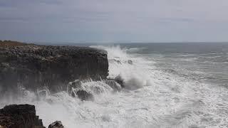 Orkaan Leslie beukt tegen Portugese westkust