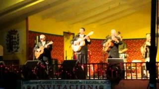 """El Trío Los Condes canta """"Ódiame,"""" en Adjuntas, Puerto Rico."""
