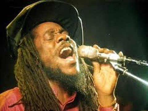 JUSTICE SOUND - DENNIS BROWN - BEST OF DENNIS BROWN - CROWN PRINCE OF REGGAE.