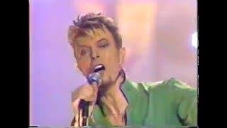 David Bowie – Hallo Spaceboy (Live GQ Awards 1997)