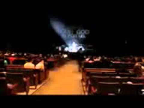 CHRIS TOMLIN CONCERT FUNNY HILARIOUS PRANK ON MERCH GUY APRIL 2011 CHRISTIAN