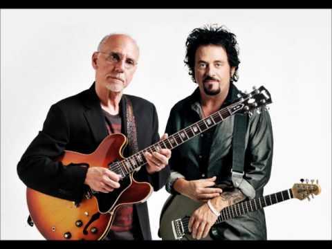 Larry Carlton & Steve Lukather - Tutu