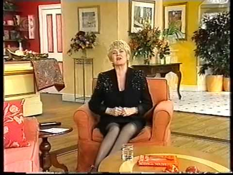 gloria hunniford platform shoes