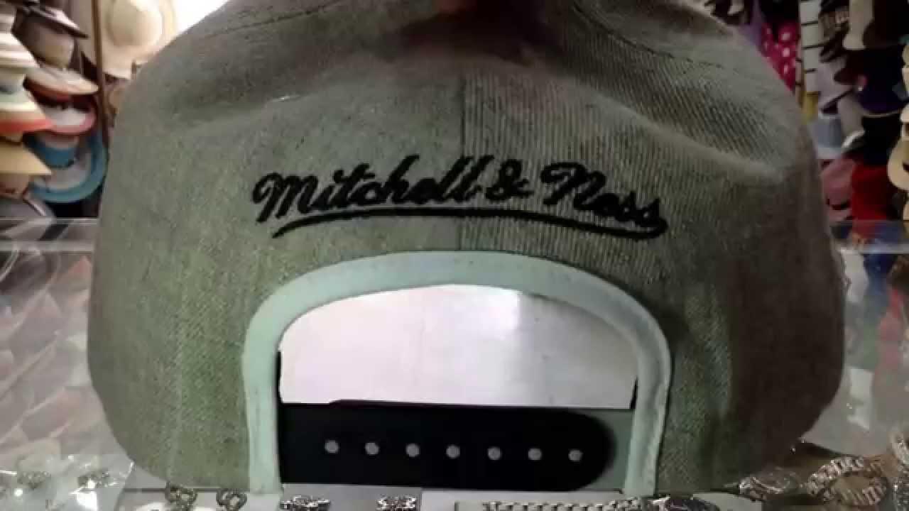 b356c6dc0afb9 GORRA MITCHELL   NESS OAKLAND RAIDERS ORIGINAL - YouTube
