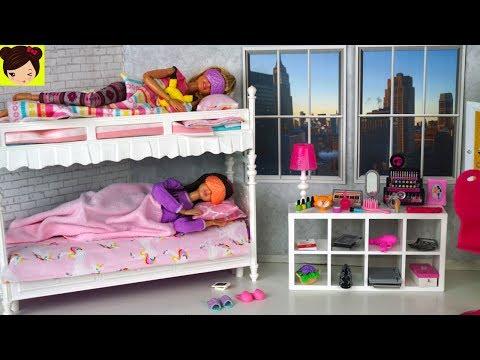 Rutina de Mañana en Casa de Barbie y Sus Hermanas - Juguetes de Titi