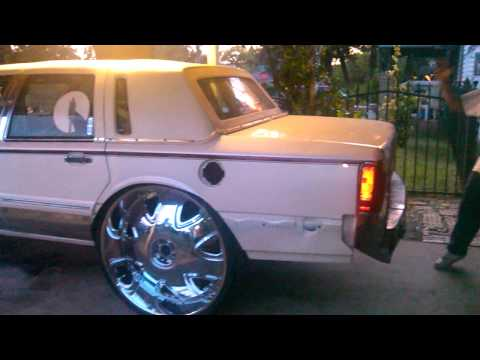 The First Lincoln Town Car On 32s Video