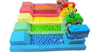 Learn Colors Kinetic Sand Cars Toys With M&M Candy #w Nursery Rhymes Songs for Kids
