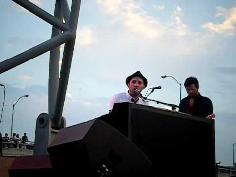 In the Middle- Mat Kearney (LIVE)