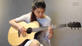 Kute girl play guitar