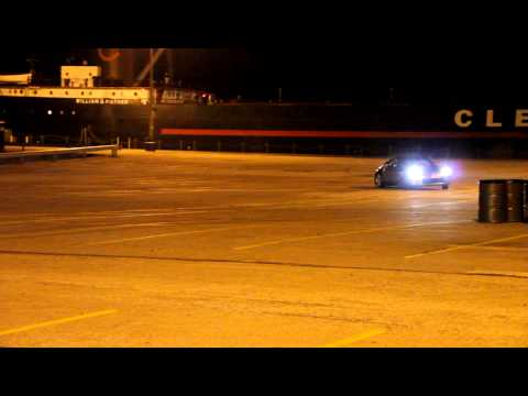 Nissan 350z Drifting in Cleveland Parking lot