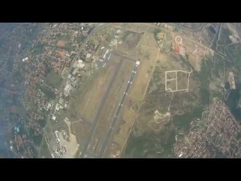 Paracaidismo del C402 En la FAP Asuncion