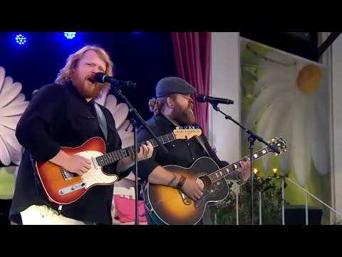 Martin Almgren och Chris Kläfford – Going down to the river - Lotta på Liseberg (TV4)