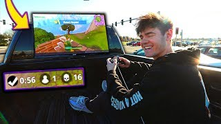 PLAYING FORTNITE ON MY CAR IN TRAFFIC! ...