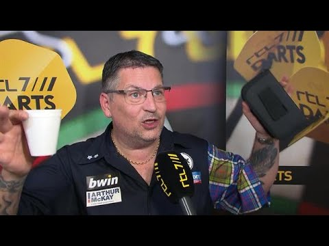 Anderson: 'I Thought Wesley Had Farted On Stage!' - RTL 7 DARTS: GRAND SLAM OF DARTS
