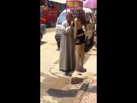 Как мужик к девочке пристаёт видео фото 347-194