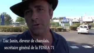 Les éleveurs bovin viande de Rhône-Alpes et Saône-et-Loire manifestent à Carrefour Ecully