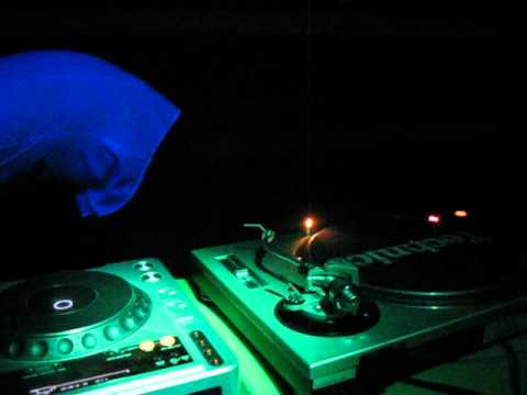 Ernest C. - Live @ Dj's Night (Sopron-Free SMP)2011.02.05