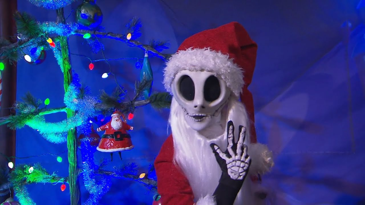meet jack skellington as sandy claws during very merry christmas party - Christmas Jack Skellington