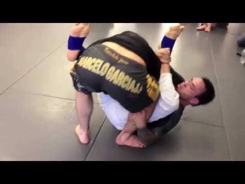 Eddie Bravo vs Marcelo Garcia - Rolling