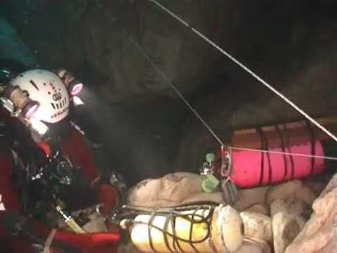 L' Elefante Bianco 2004  - Esplorazione in grotta di Luigi Casati