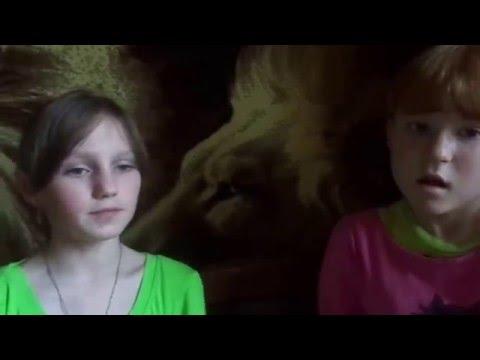 video-devushka-ne-dobezhala-do-tualeta