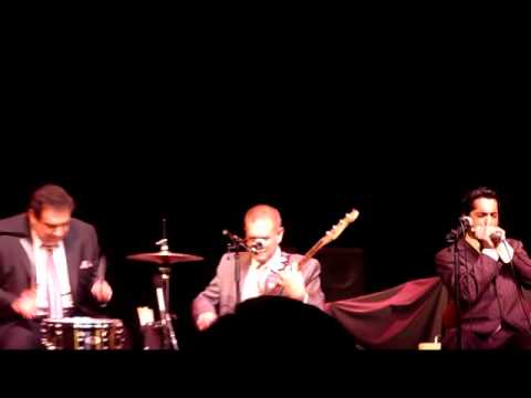 Tip of Top opens for Robert Cray 11-12-10 mp3