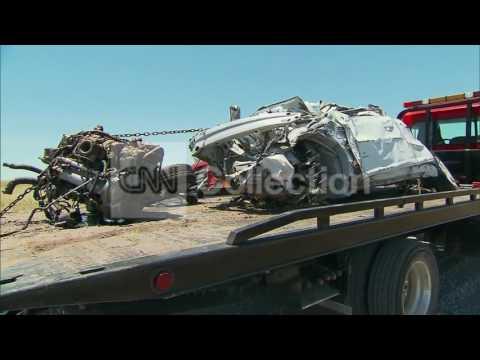 OK:STORMCHASERS KILLED-MANGLED CAR (GRAPHIC)
