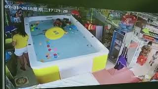 Chinese boy drowns while his mom plays with her phone