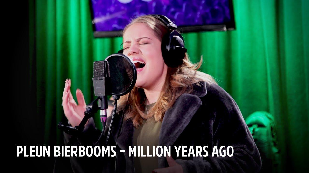 Download Pleun Bierbooms – Million Years Ago   Live bij Evers Staat Op