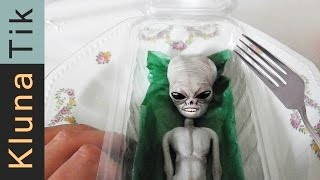 kluna-eating-a-living-alien-kluna-tik-dinner-24-asmr-eating-sounds-no-talk