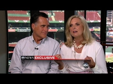 Mitt Romney Attracts More Married Women in Poll
