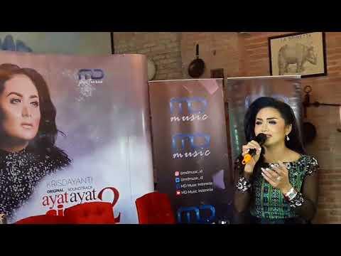 Perdana! Krisdayanti tampil live nyanyikan original soundtrack film Ayat Ayat Cinta 2