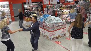 Mora Flashmob West Coast Swing 2016 Willys grocery store